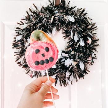 Pumpkin Cinnamon Roll Lollipops